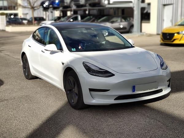 Pimas aménage la 1ère Tesla Model 3 de France destinée à la conduite auto-école !
